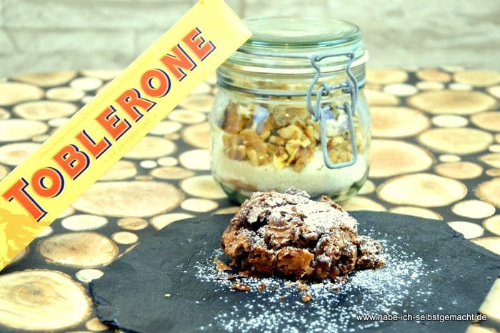 Walnuss Toblerone Brownies als Geschenkidee im Glas