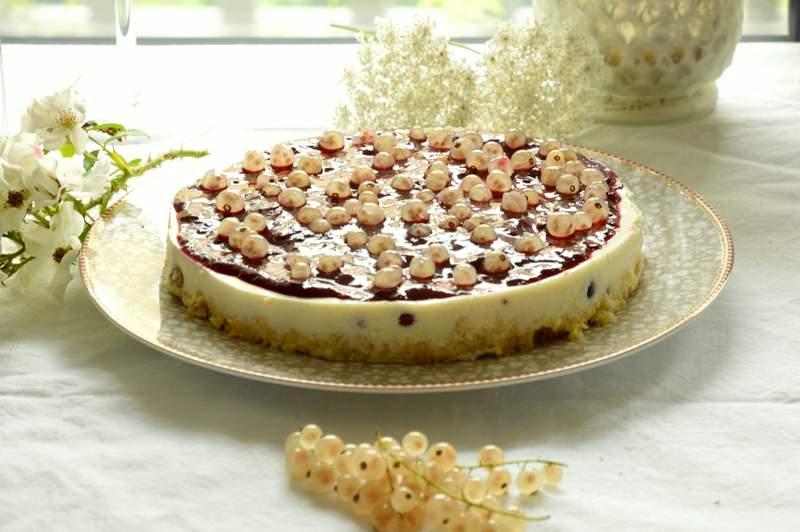 Low Carb Biskuit Vanille Beeren Torte