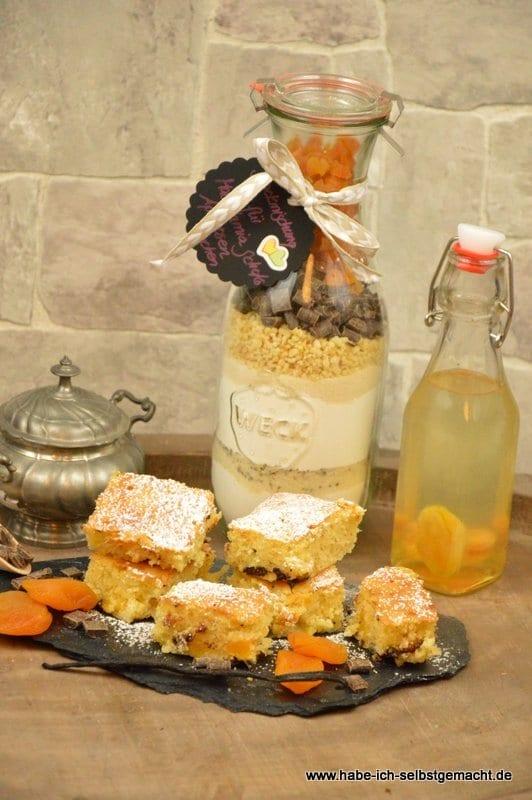 Backmischung für Aprikosen Macadamia Schoko Schnitten