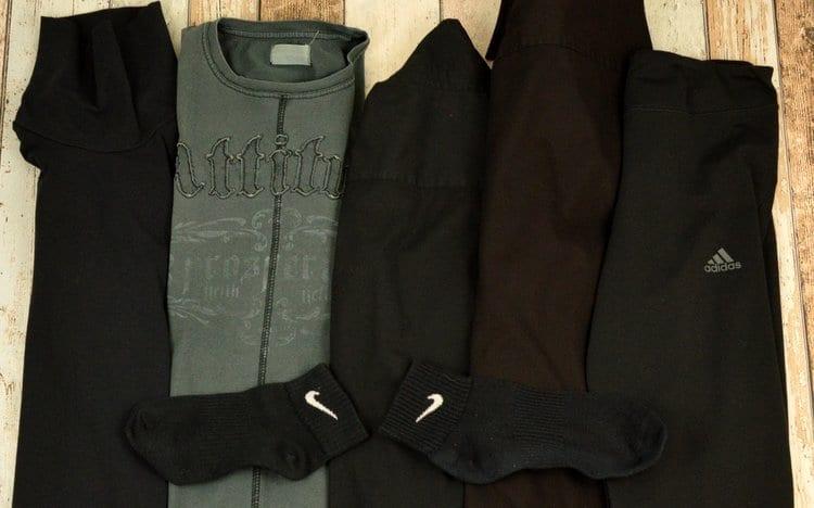 Schwaze Wäsche nach einmal waschen mit HEITMANN Wäsche-Schwarz Tüchern