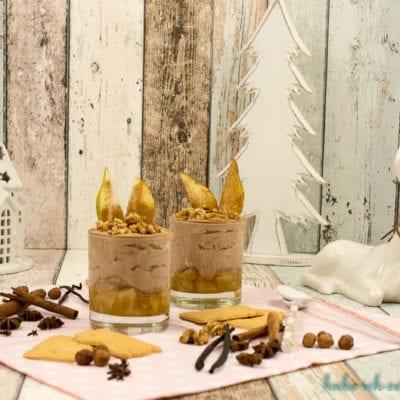 Spekulatius Mousse mit karamellisierten Birnen und Honignüssen