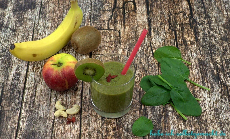 Green Smoothie - Spinat Kiwi Banane Apfel Superfoods