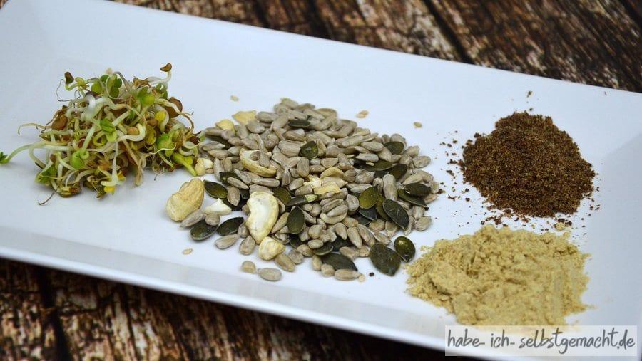Zutaten für Weizenbrot mit Kernen Leinmehl und Keimsprossen