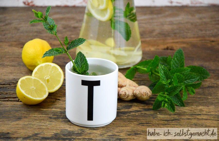 Selbstgemachter Erkältungstee mit Minze, Zitrone, Ingwer