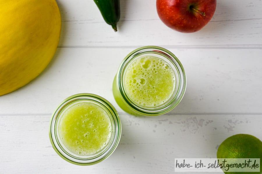 Selbstgepresster Melonen Gurken Saft