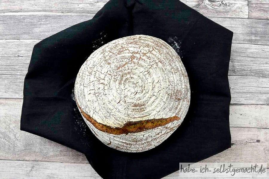 Kamut Vollkorn Sauerteig Brot 07