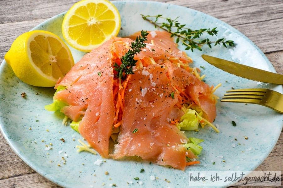 Fertiger Lachs-Salat