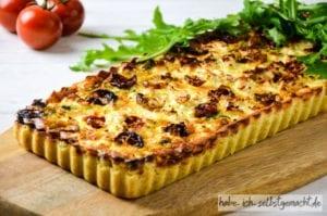 Spinat Feta Quiche frisch aus dem Ofen