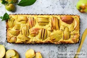 Apfelkuchen mit Schmand und Calvados