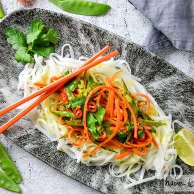 Asiatische Reisnudeln mit Koriander und Zitrone (vegan,GF)