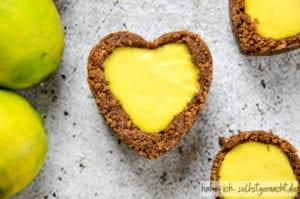 No Bake Mini Tartelettes mit Lemon Curd