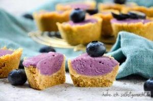 No Bake Törtchen mit Blaubeer Curd