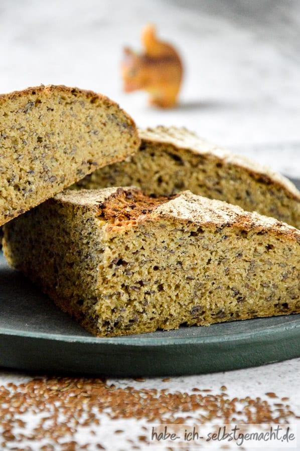 Urgetreide Brot mit Leinsamen, Kamut und Einkorn