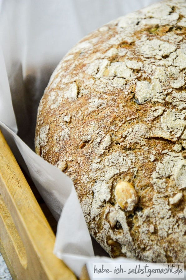 Dinkel Nuss Vollkorn Brot