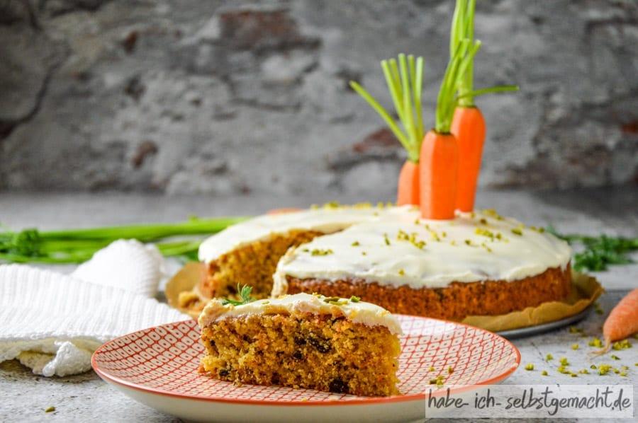 Karottenkuchen mit Frischkäse Topping