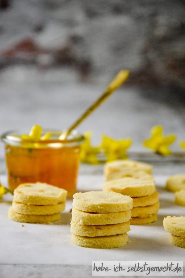 Low Carb Kekse mit Marmelade