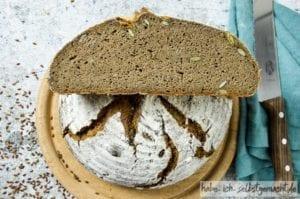 Leinsamen Brot mit Leinmehl