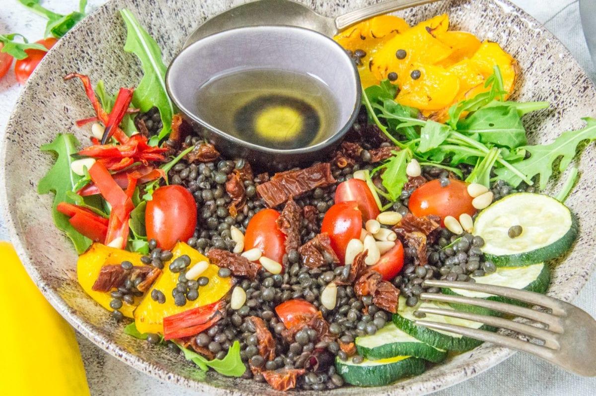 Veganer Belugalinsensalat