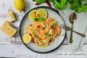 Spaghetti mit Garnelen und Zitrone