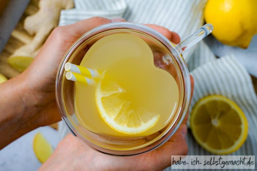 Frischer Erkältungstee aus Ingwer-Zitronen Sirup