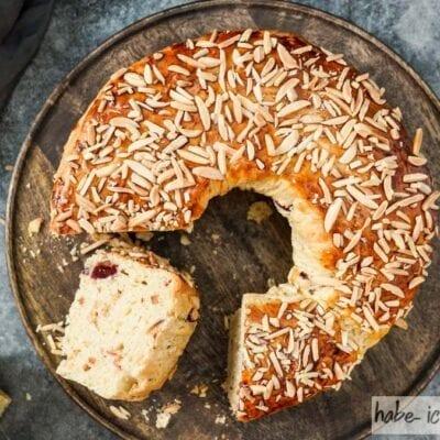Brot #82 – Weihnachtsbrot (weihnachtlicher Hefezopf)