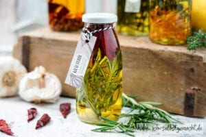 Knoblauch Chili Rosmarin Öl