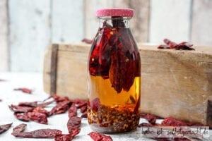 Gewürzöl Kräuteröl - Chili Öl