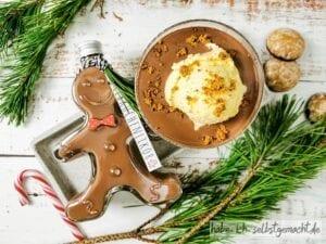 Lebkuchenlikör passt sehr gut zu Vanilleeis