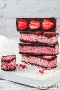 Erdbeer Riegel mit Kokos