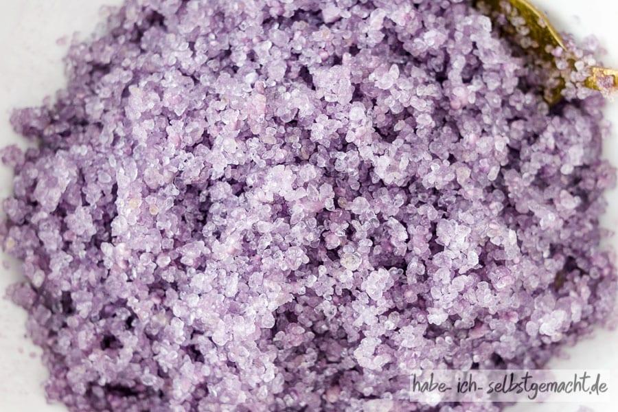 Lavendel Badesalz - lila eingefärbt