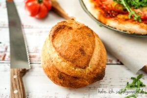Brot aus Sauerteig Pizzaboden