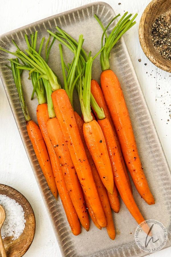 Rinderrouladen Spieße vom Grill - Glasierte Karotten