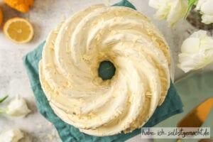 Zitronenkuchen mit Füllung