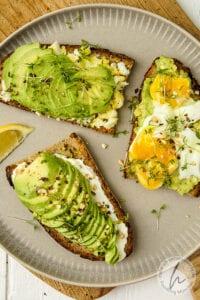 Brotbelag 4 - Avocado mit Ei
