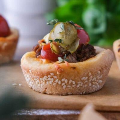 Mini Cheeseburger als schnelles Fingerfood