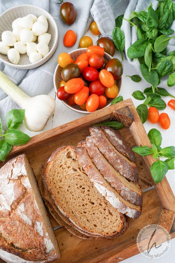 Zutaten für den Brotsalat