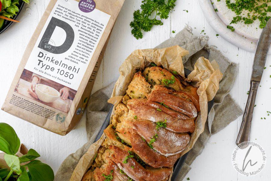 Kräuter Faltenbrot (Zupfbrot) aus Dinkelmehl
