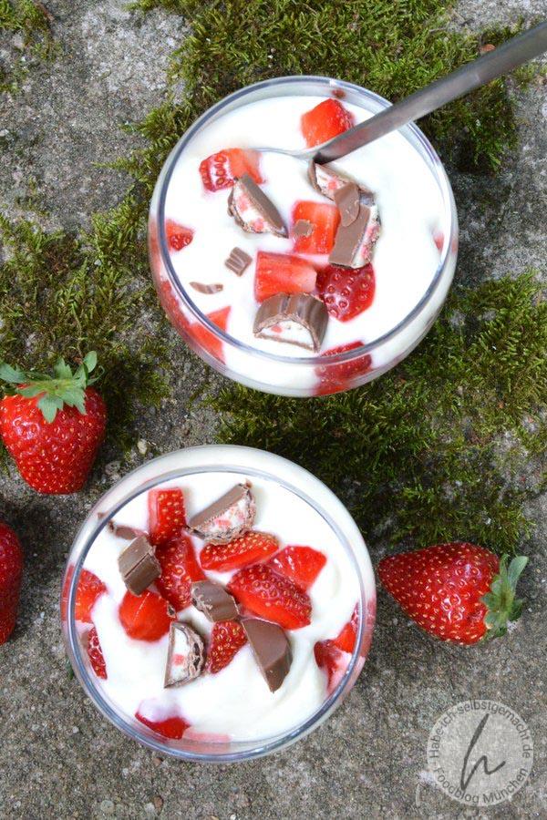 Leichtes Erdbeer-Yogurette Dessert